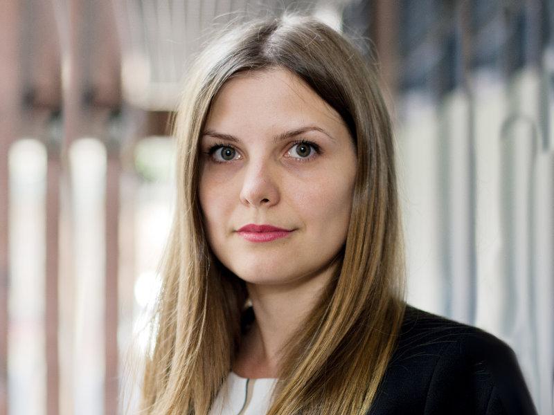 Alina - Editor coordonator, Revista Progresiv